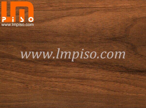 Small Embossed Soundproof Premium Walnut Laminate Flooring