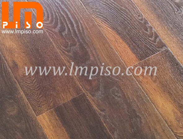 High quality AC4 pressed V EIR surface laminate flooring