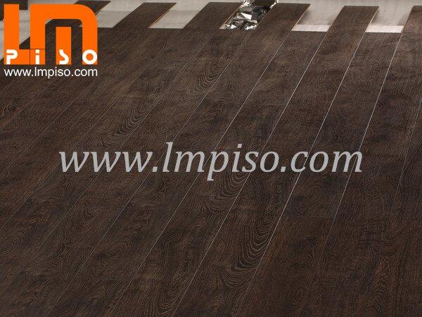 12mm Nature Oak Water Proof Embossed In Registered Laminate Flooring